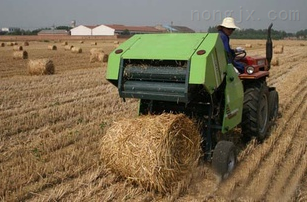 玉米秸秆打捆机 山东大型玉米秸秆打捆机视频